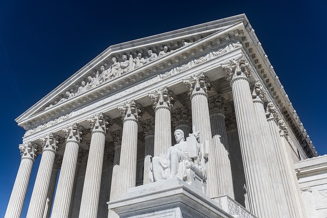 US Supreme Court to decide if employment discrimination laws apply to LGBT workers